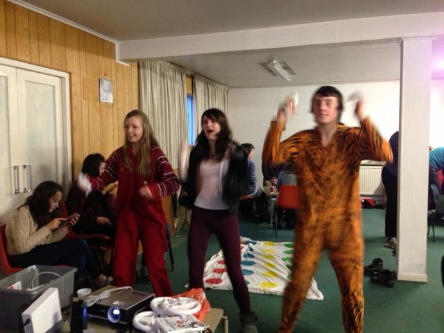 Electronic dancing